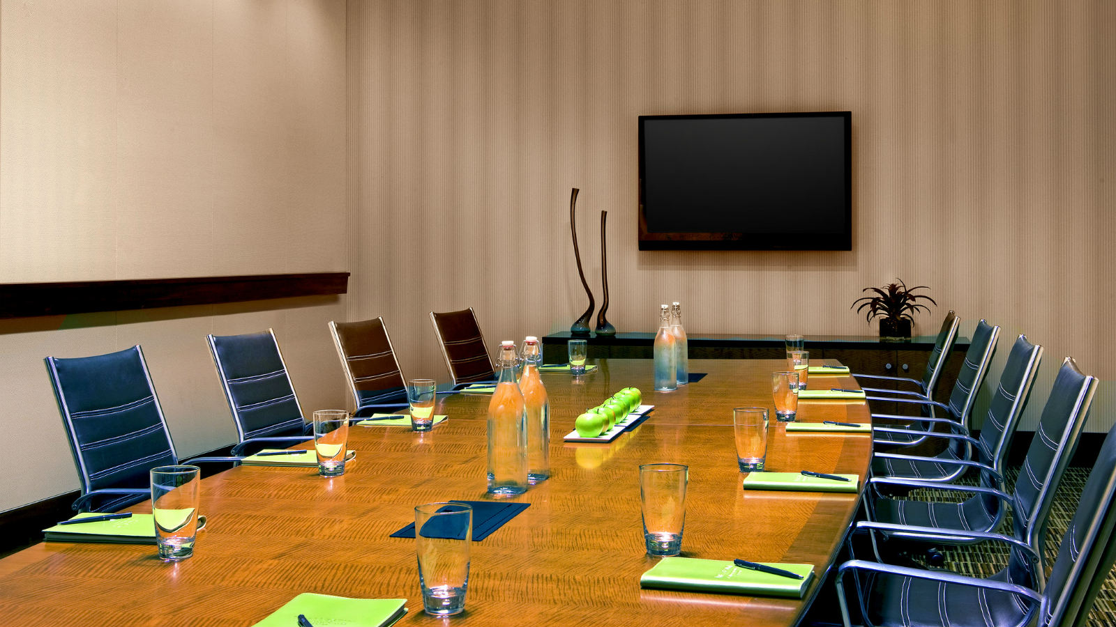 The Westin Washington Dulles Airport Boardroom